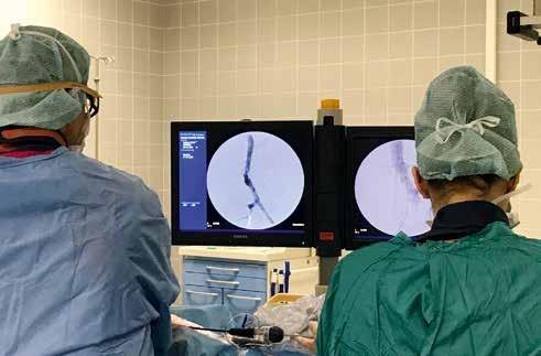 Kommen invasive Therapien zum Einsatz, ist es die schonende Kathetertechnik, eine Operation bzw. die Kombination (Hybrid-Eingriff).