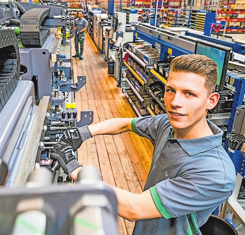 """""""Qualität made in Ludwigshafen"""" ist die oberste Maxime der JOSEPH VÖGELE AG: Dieser Anspruch gilt auch für die Aus- und Weiterbildung der Beschäftigten. FOTO: VÖGELE/FREI"""