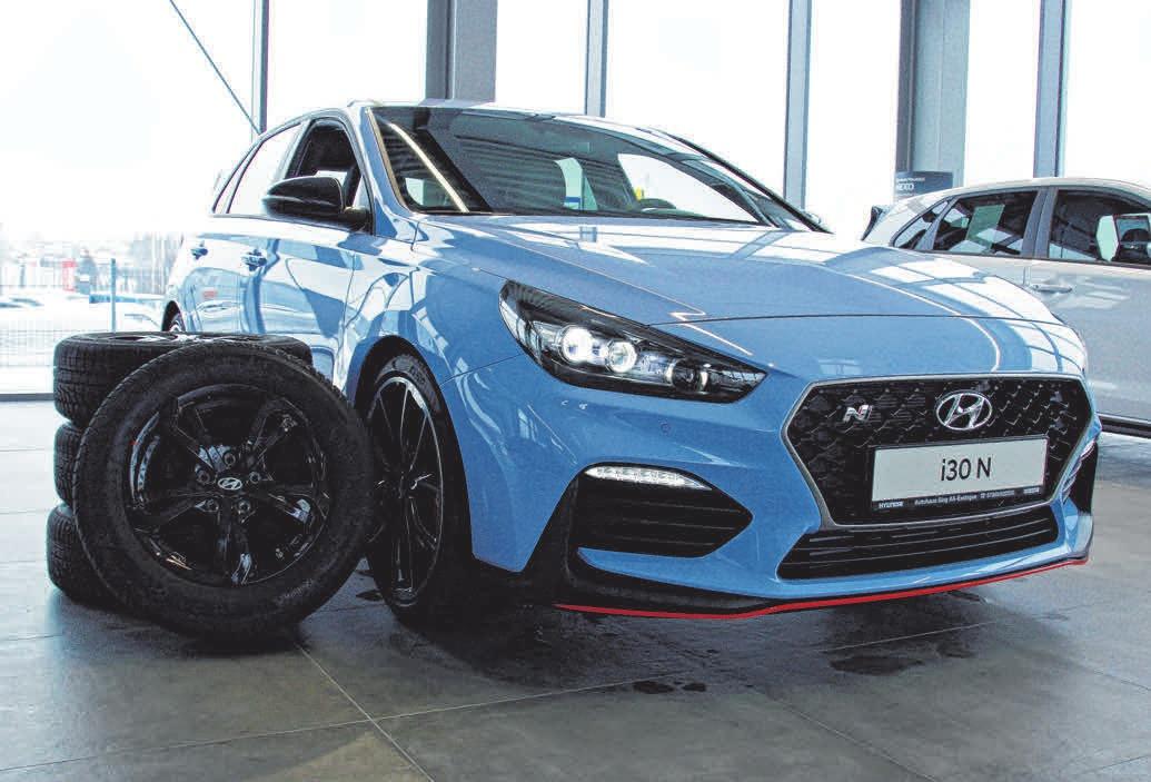 Beim Kauf eines neuen Hyundai wie den i30 N gibt es am Samstag vom Autohaus Sing einen Satz Winterräder kostenlos dazu.