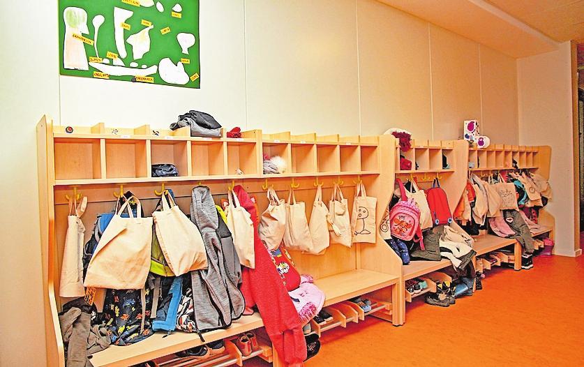 Die kindgerechte Garderobe ist funktionell und optisch ansprechend gestaltet. FOTO: ELIG