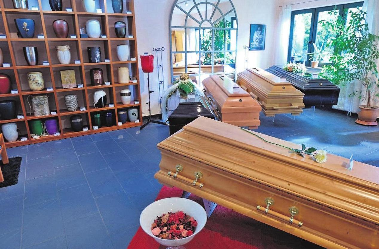 Verstorbene müssen in Thüringen erst 48 Stunden nach Eintritt des Todes in eine Leichenhalle bzw. die entsprechenden Räumlichkeiten beim Bestatter überführt werden. Foto: Aeternitas