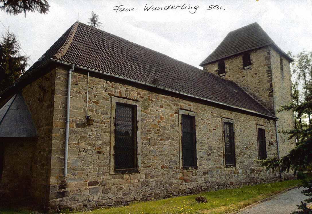 Die Kirche und das Pfarrhaus in Ostingersleben haben über die Jahre viel erlebt, erste Kirche schon 1255 erbaut. Die Sankt-Gangolph-Kirche ist die evangelische Kirche des Dorfes Ostingersleben. Foto: privat