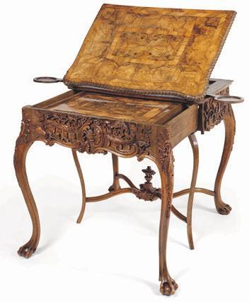 Ein durch seine außergewöhnliche Qualität herausragendes deutsches Verwandlungsmöbel um 1750/60 im Originalzustand. bei Antiquitäten Steeb, Graz