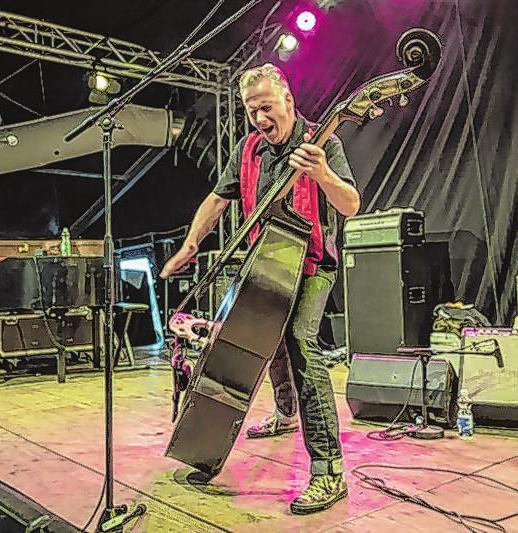 Die Lenne Brother spielen zum Country-Frühschoppen auf der Bühne des Märkischen Platzes. Foto: Band