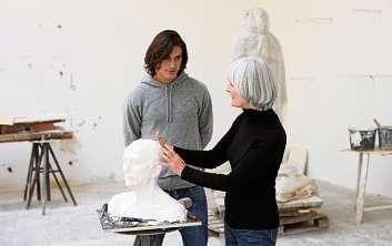 Vor einer Spezialisierung, etwa auf Bildhauerei, gilt es, Grundlagen im Studium zu erlernen. FOTO: GETTY IMAGES