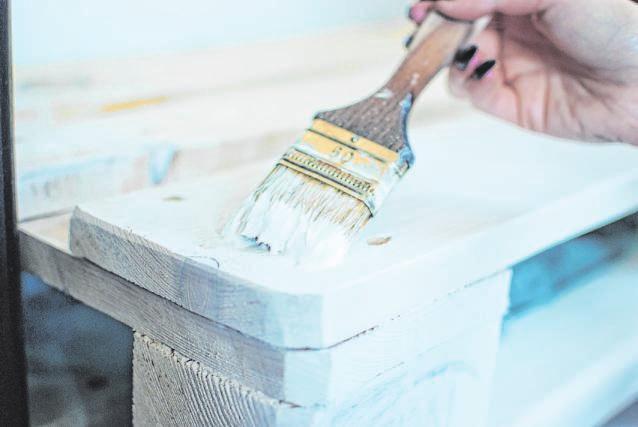 Beim Frühjahrscheck gilt allem voran: Kleinere Reparaturen können Eigentümer selbst vornehmen. Foto: pixabay