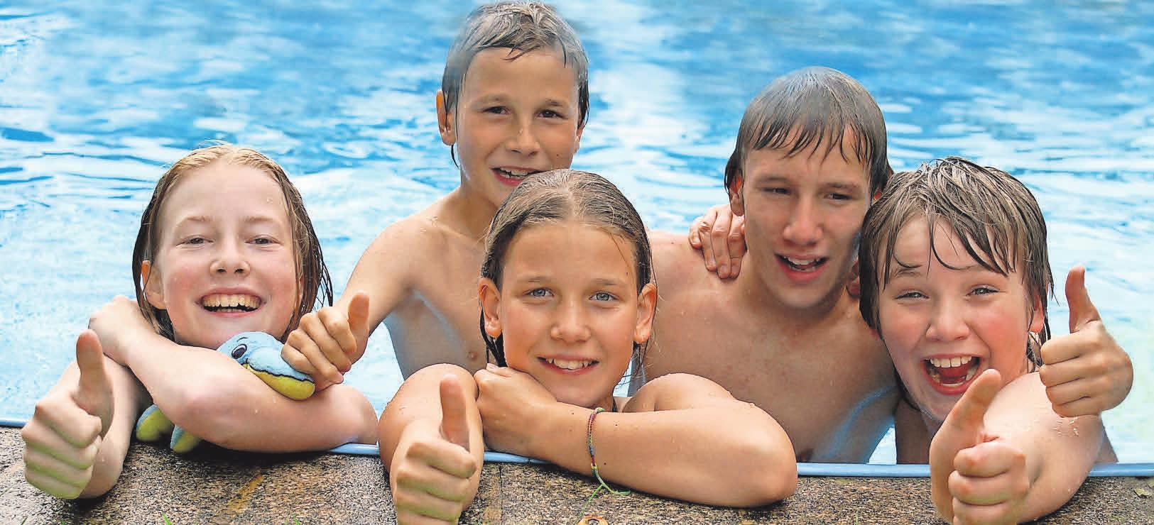 Schon bald können die Kids wieder ausgelassen schwimmen und baden, wenn das Freibad Ende April öffnet. Hofschläger-Pixelio