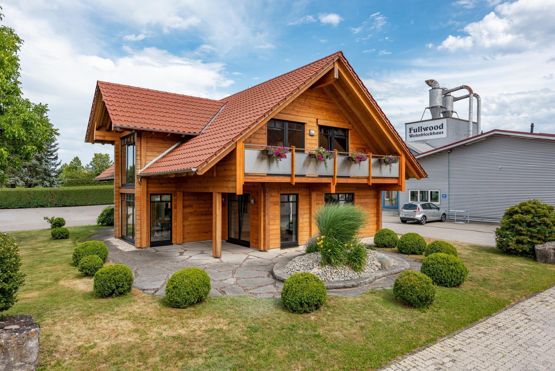 Dieses Fullwood Blockhaus steht in Wolpertshausen Foto: Fullwood Wohnblockhaus