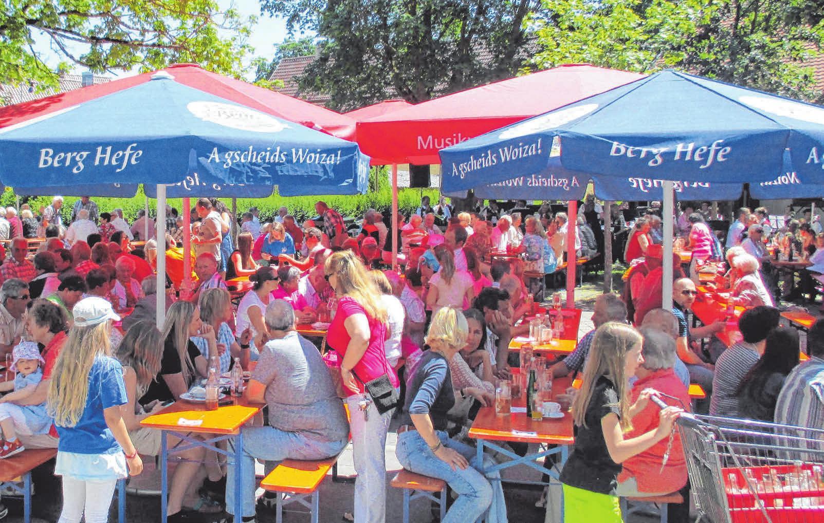 Die Reihen sind jedes Jahr gut gefüllt beim Gartenfest in Aßmannshardt. FOTO: PRIVAT