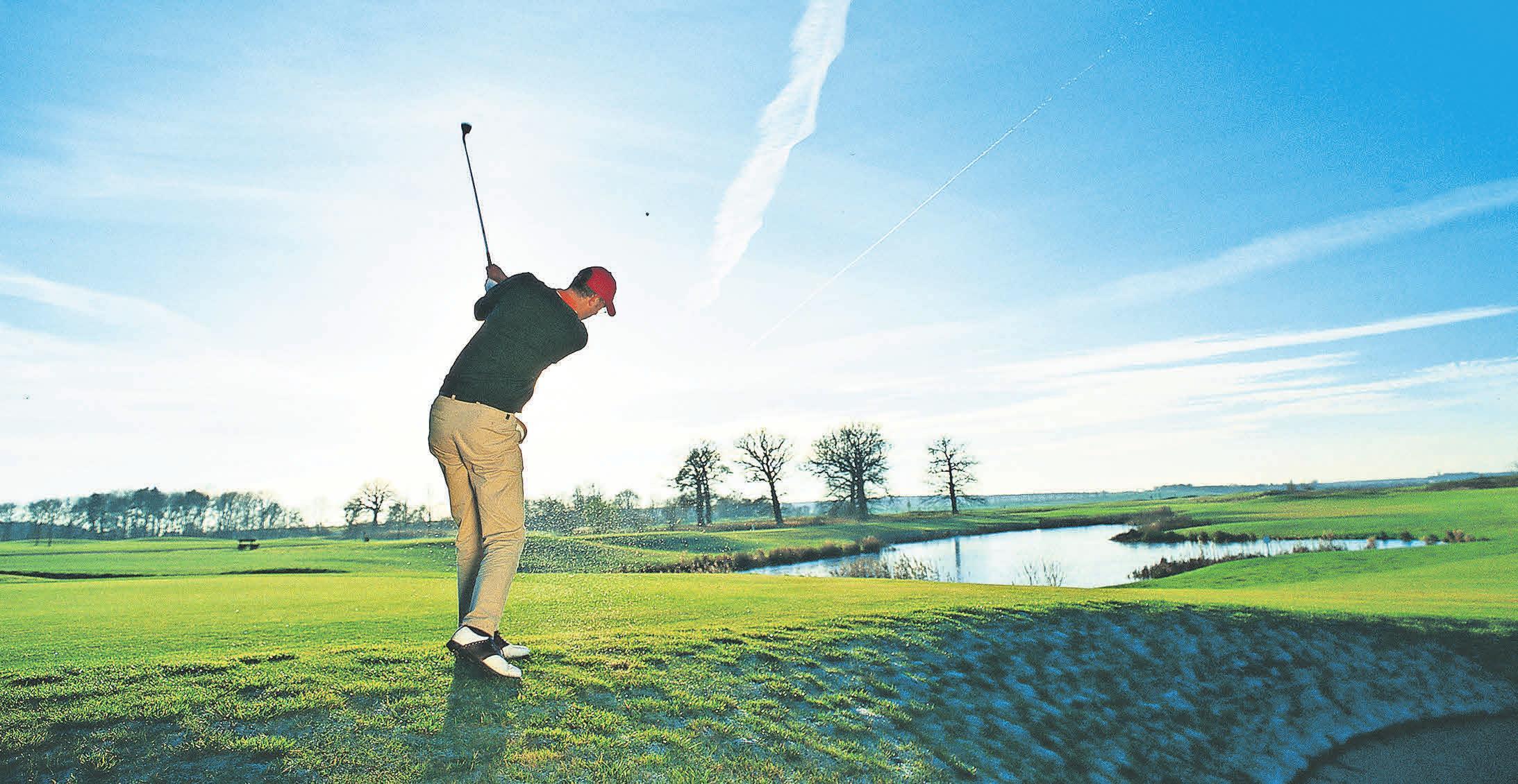 Natürlich bieten die Golfanlagen im Land auch Kurse zum Erleben des Golfsports oder zur Verbesserung der Spielstärke an. Foto: WERK3