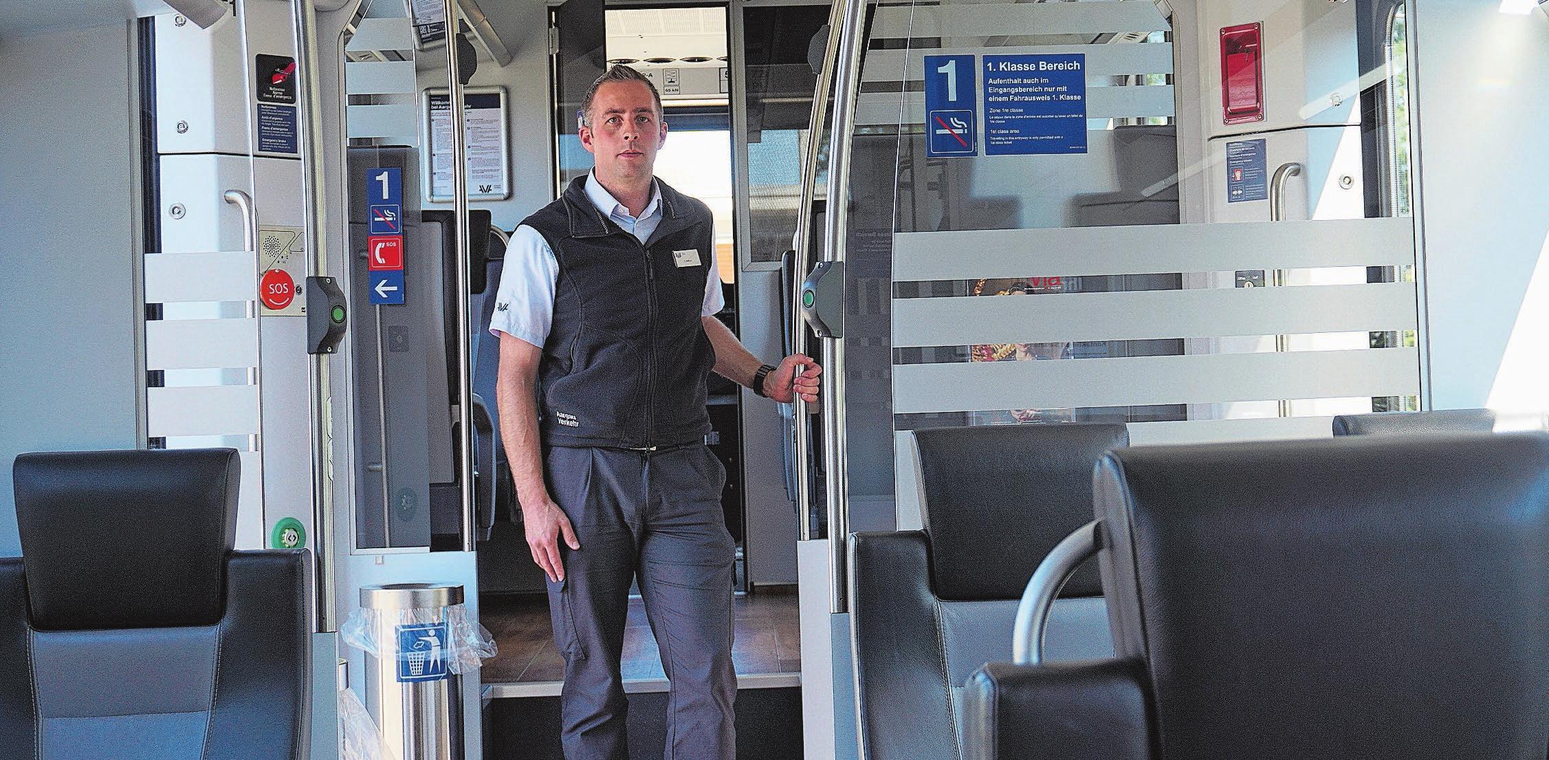 Fabian Mathys ist als Lokführer auch mit der S17 zwischen Dietikon und Wohlen unterwegs. Bild: Luc Müller