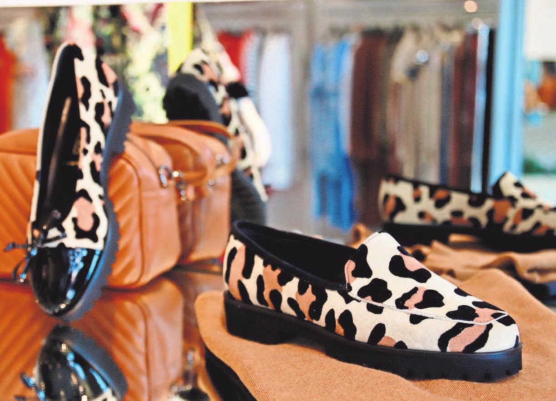 Leo geht immer: Ob als Sneaker oder Ballerina – Animal-Prints bleiben im Trend.