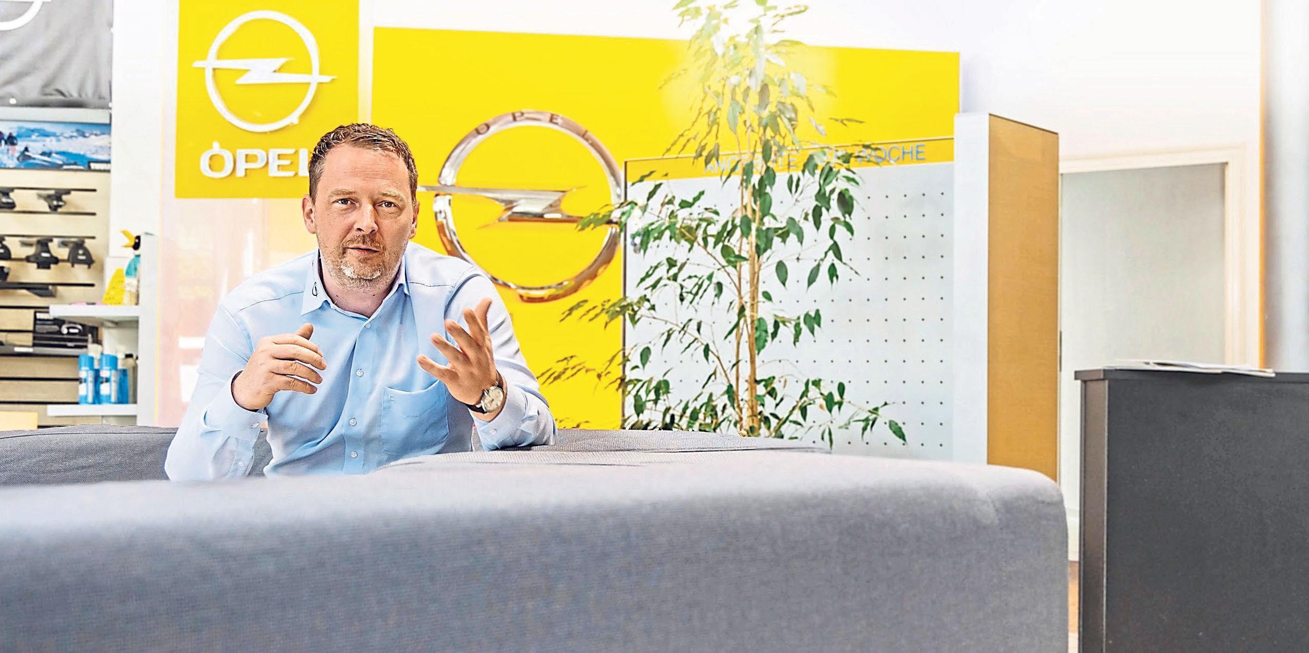 Geschäftsführer Christian Schleicher kann Gewerbekunden vom Kleinstwagen bis zum 7,5t-Lkw alles anbieten