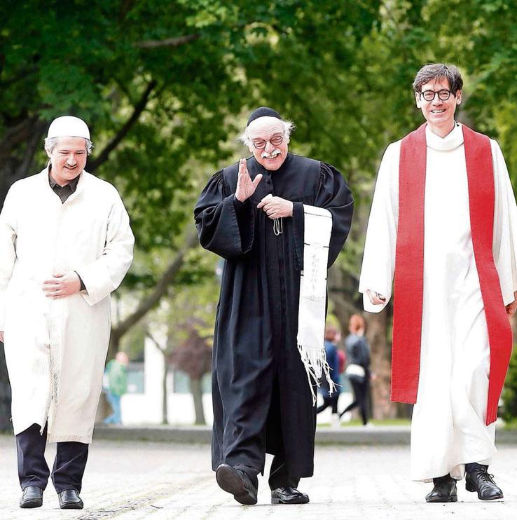 Den Dialog suchen. Imam Kadir Sanci, Rabbiner Andreas Nachama und Pfarrer Gregor Hohberg (von links nach rechts) engangieren sich seit vielen Jahren aktiv für den Austausch und ein gutes Zusammenleben von Menschen verschiedener Religionen.