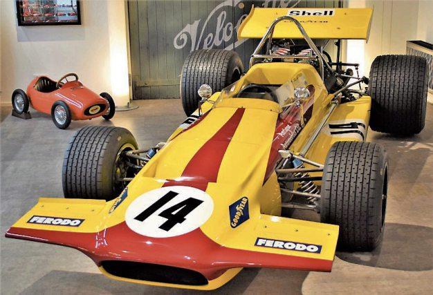 Hier ist ein schneller Formel-1-Rennwagen, ein March 701, zu sehen. Bilder: BOXENSTOP / U. Anhalt
