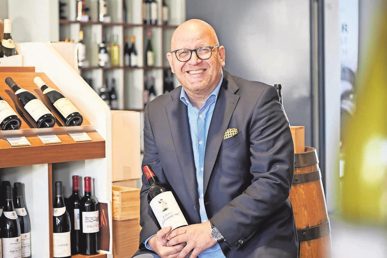 Einem genussreichen Herbst steht nichts im Weg: Filialleiter Michael Penno lädt zur großen Herbstweinprobe ein.