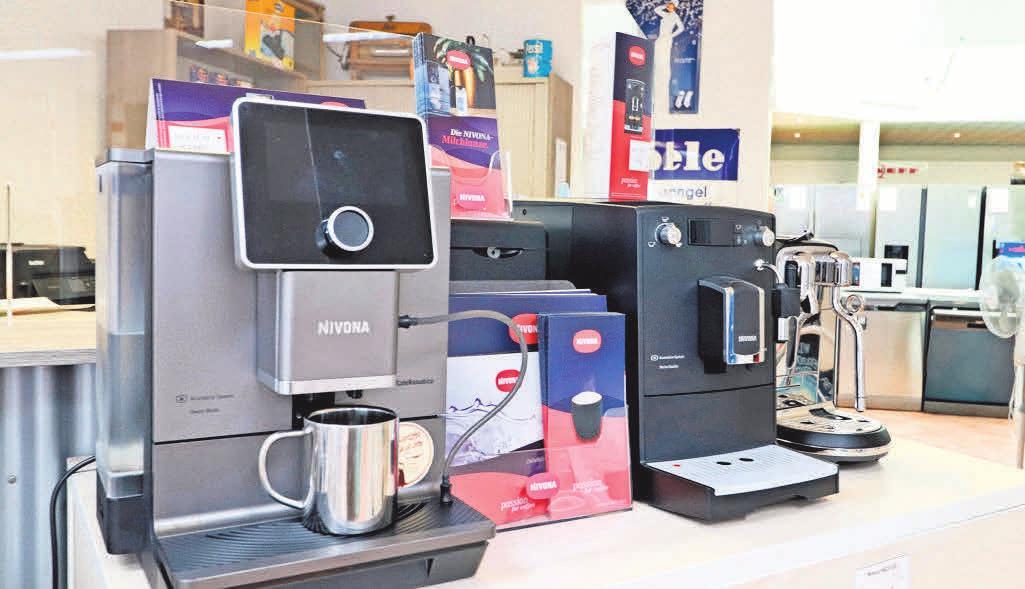 Klaus und Mareike Thiel haben in der Elektro-Fundgrube neben Haushaltsgeräten auch hochwertige Kaffeevollautomaten im Programm.