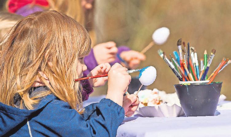 Bei der Oster-Rallye können sich Kinder aufs Eierbemalen freuen.