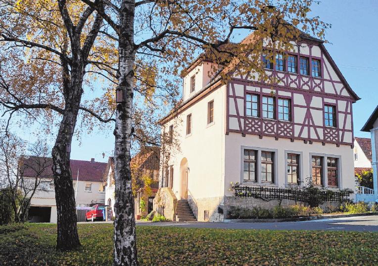 """Im Jahr 1913 wurde die """"Alte Schule"""" erbaut. Sie steht unter Denkmalschutz. FOTO: ELKE ENGLERT"""