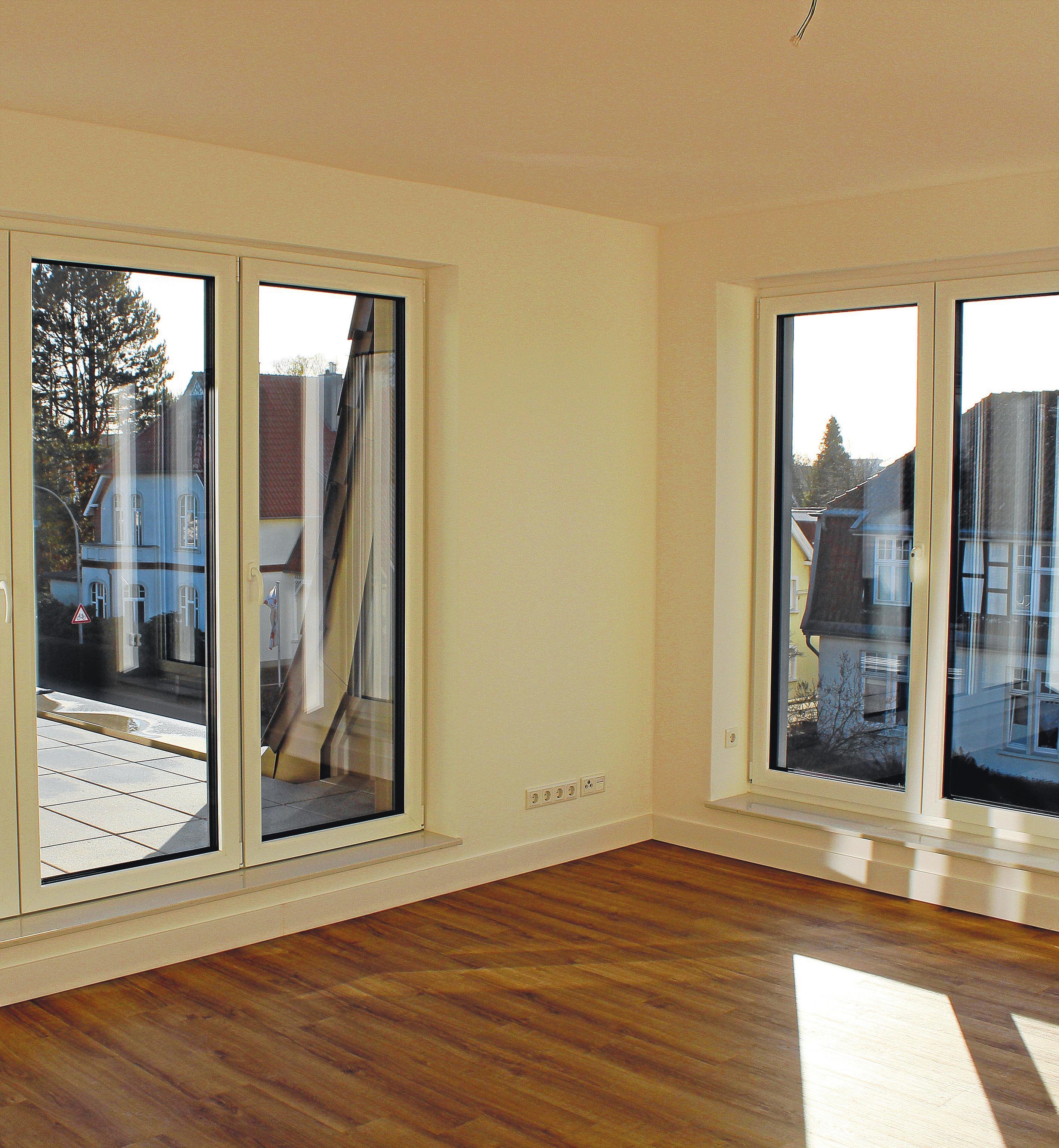 Bodentiefe Fenster sorgen für wunderbar helle Wohnungen