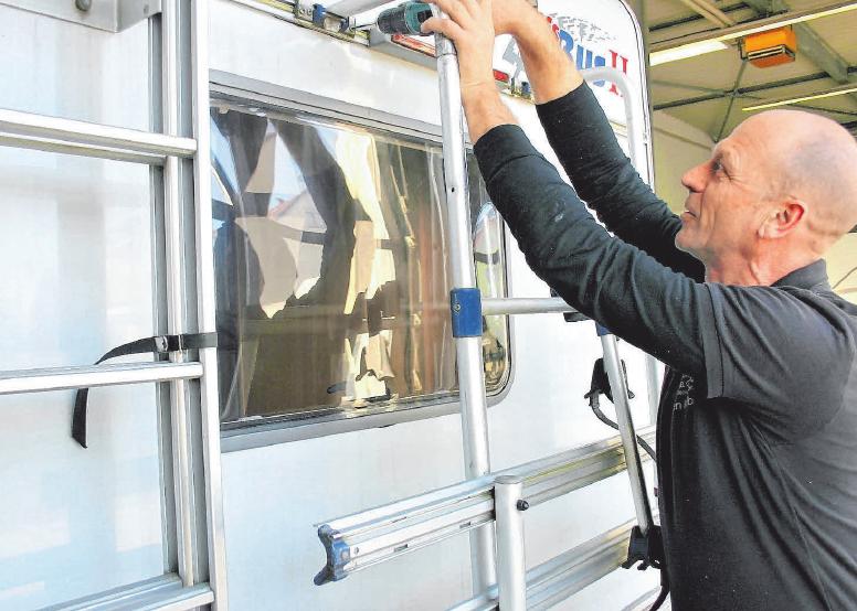 Bei kleineren Reparaturen oder Um- und Anbaumaßnahmen ist Jürgen Kölbel ganz der Fachmann.