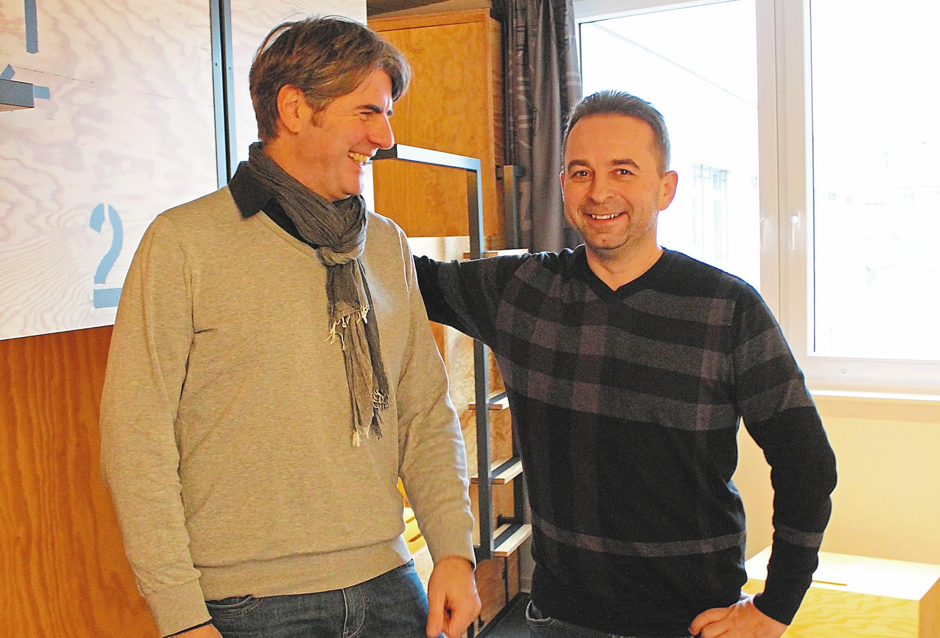 Architekt Dirk Kaminski (l.) und Bauleiter der Gruppe MDK Münster Alexander Keller zeichneten für den Umbau des Gebäudes am Verspoel 1 verantwortlich. Foto: kri