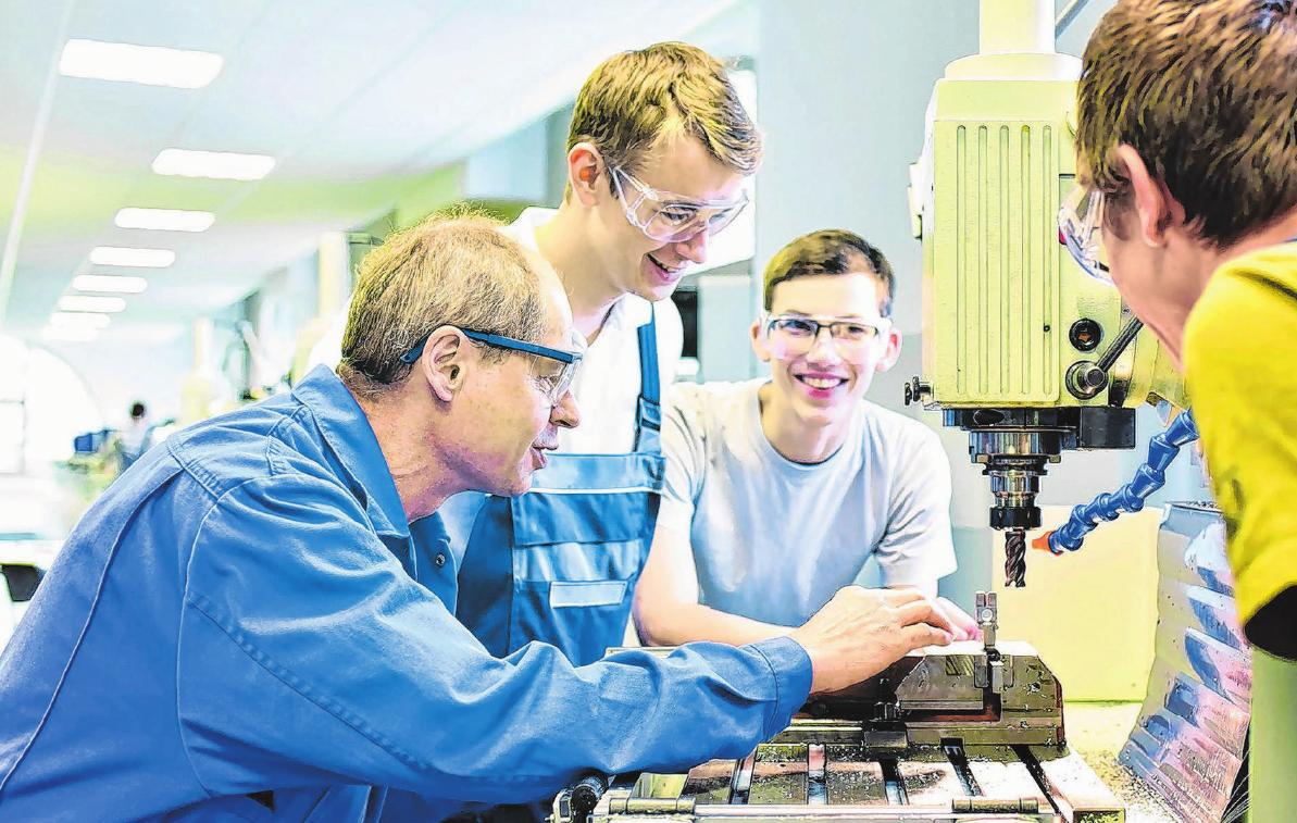 Branche mit Zukunft: In der Metall- und Elektroindustrie kann man auch heute noch Karriere machen. Foto: PR/Südwestmetall