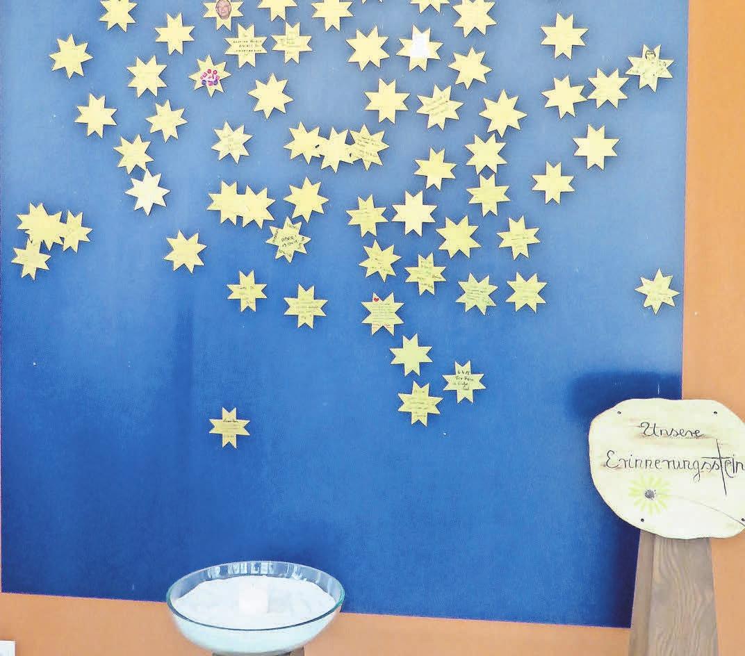 Ein Ort der Erinnerung: Viele der Sterne, die an Verstorbene erinnern, tragen letzte Grüße und kleine Zeichnungen.