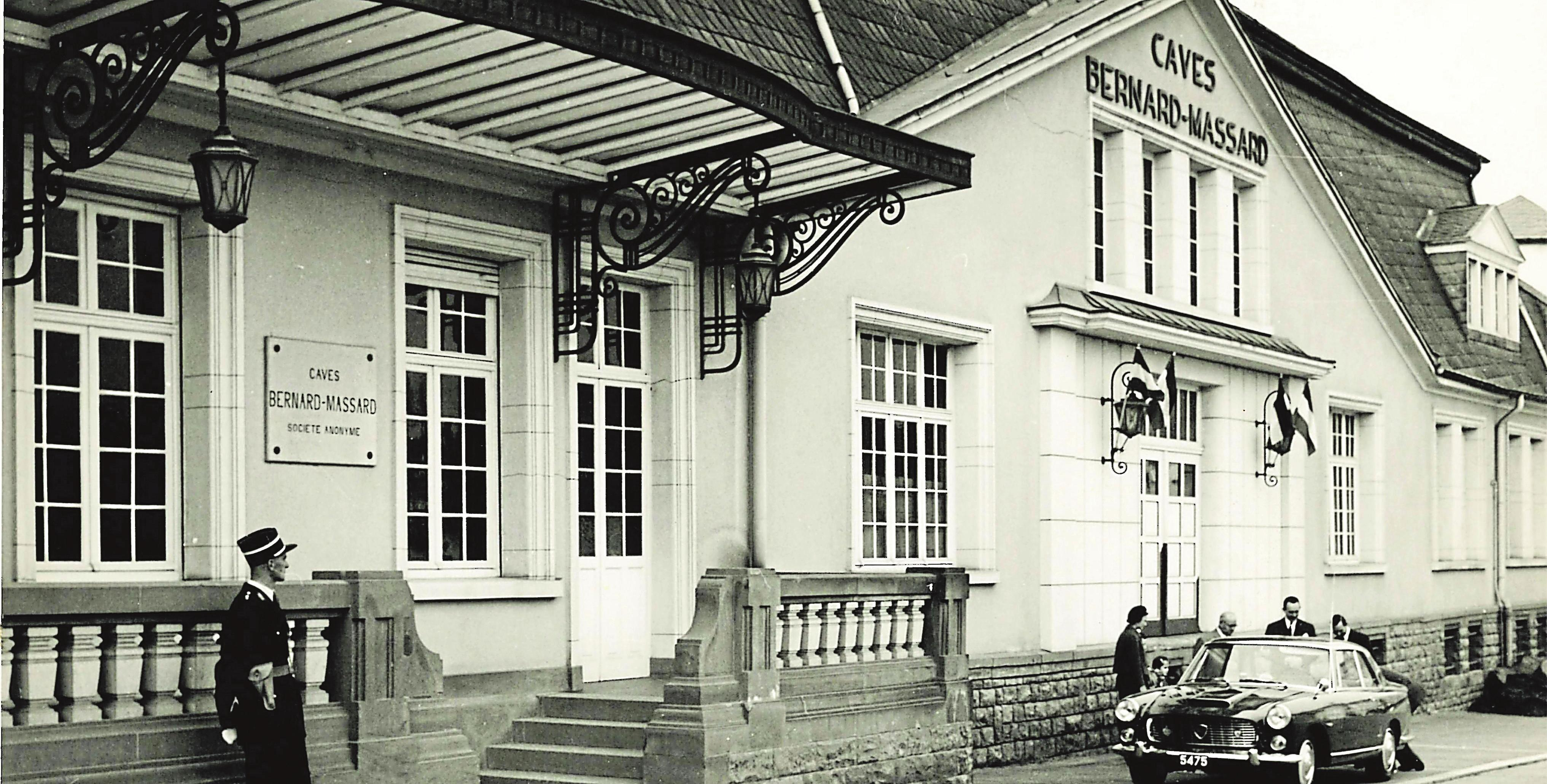Accueil de LL.AA.RR le Grand-Duc Jean et de son épouse lors de la visite dans les années 60