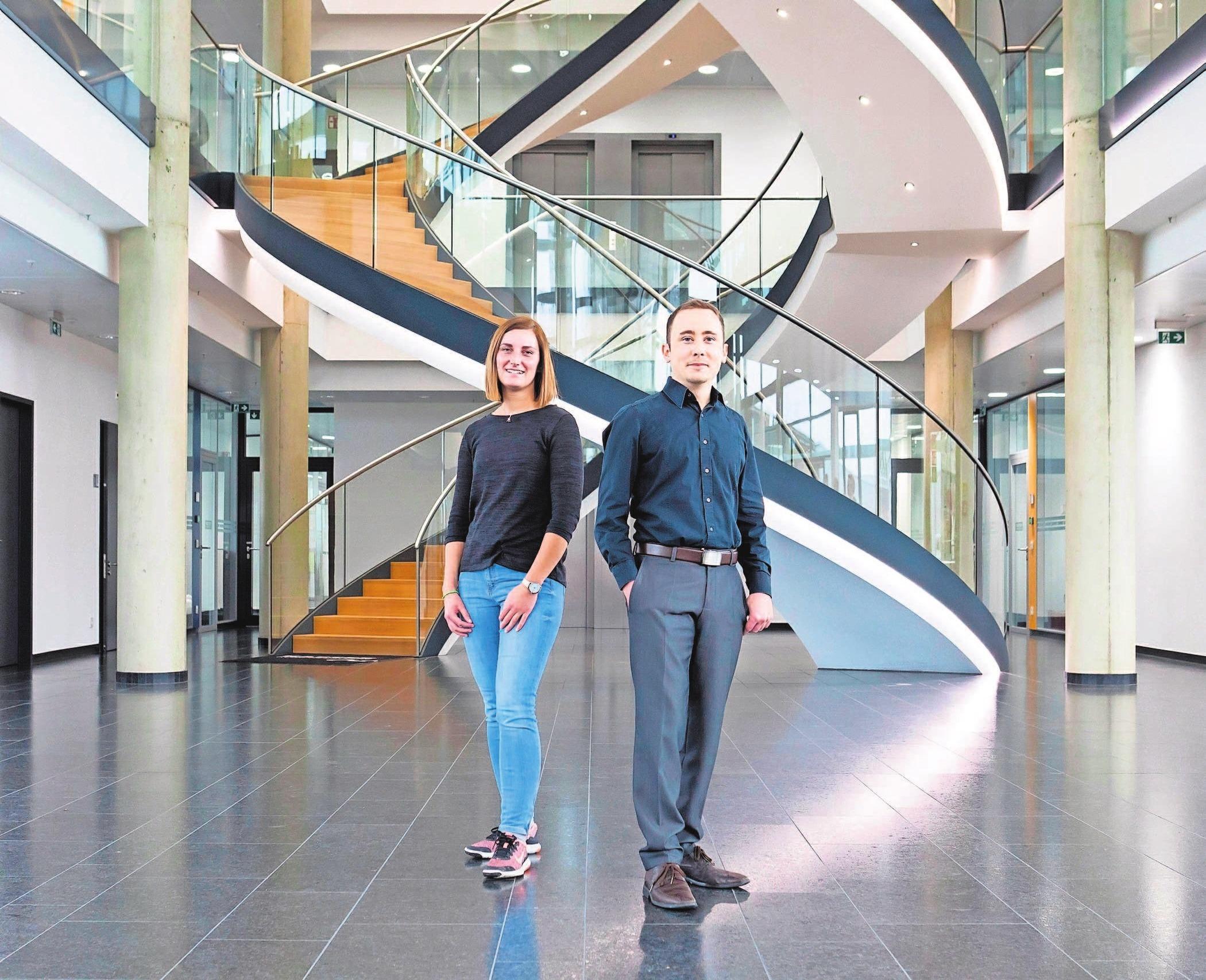 Isabell Neubert und Sebastian Triebel sind nur zwei von vielen jungen Menschen, für die die Ausbildung der Anfang auf der Karriereleiter bei Kaeser gewesen ist.