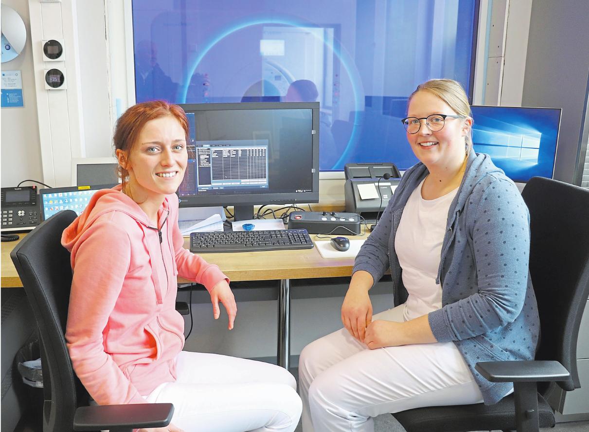 Alles digital: In der neuen Radiologie-Praxis wird das freundliche und kompetente Team von der aktuellsten Technik wie zum Beispiel beim MRT bei den Untersuchungen unterstützt. Foto (3): Guido Kratzke