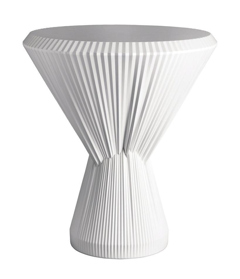 Beistelltisch «Plisago» aus Porzellan in Plissee-Optik, hergestellt von der Manufaktur Fürstenberg.