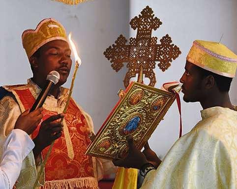 Fünf Gemeinschaften. Koptisch-orthodoxe Messe im Haus der Religionen in Bern.