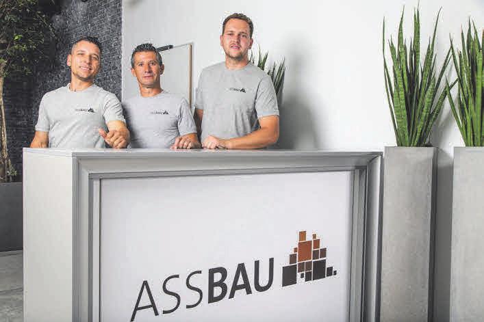 Für Außenanlagen und Tiefbau sind Ismajl Bytyqi, Fejjzuli Abduljaziz und Armend Bytyqi die Fachmänner.