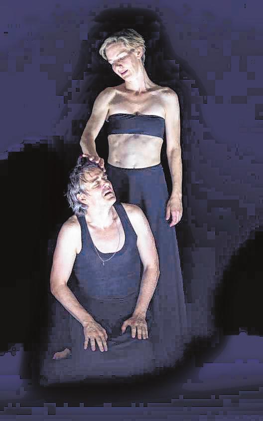 """...und """"Penthesilea"""" (hier mit Jens Harzer als Achilles). Bilder: Thomas Aurin, Monika Rittershaus"""