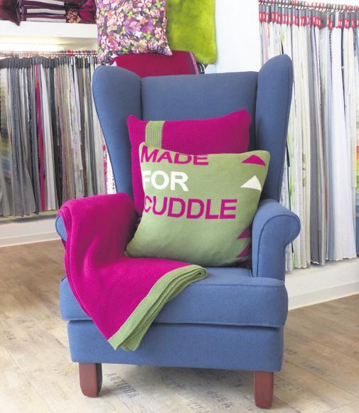 Sitzmöbel werden bei Kleider Raumgestaltung neu gepolstert.