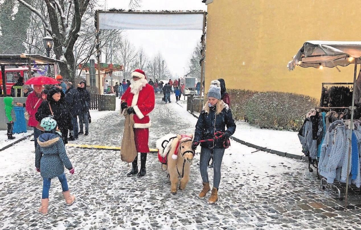 Der Weihnachtsmarkt mit guter Unterhaltung und vielen Überraschungen wird sicher erneut zum Besuchermagneten für Groß und Klein. Fotos: Stadt Rödental