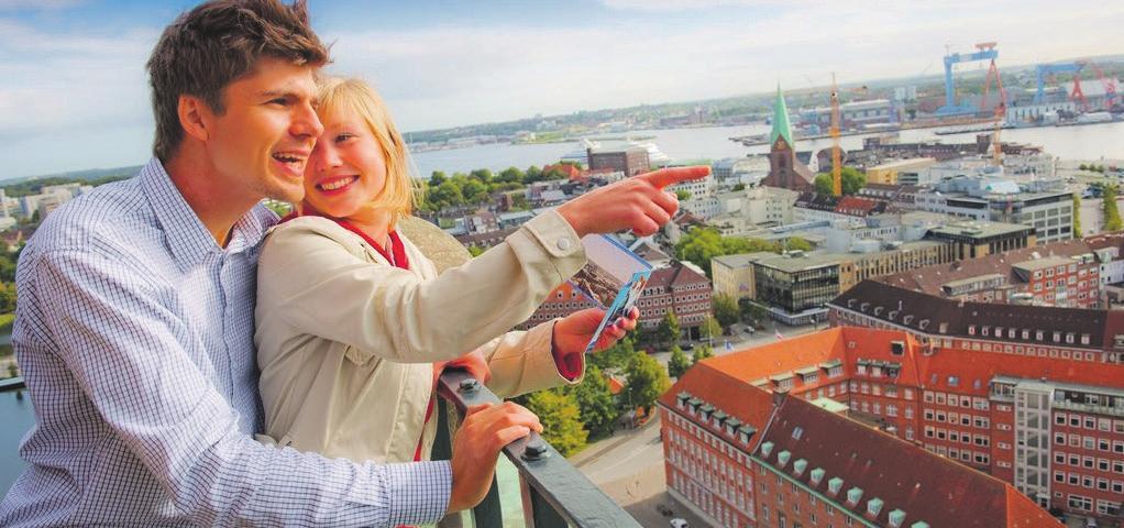 Beste Aussichten bei einer Rathausturmfahrt in Kiel. Foto: S-H Tourismus   Oliver Franke