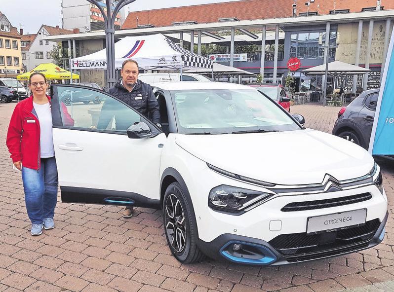Der neue Citroën ë-C4 am Stand des Autohauses Hellmann aus Hanau.