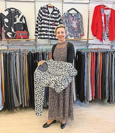 "Trägt selbst gerne modisch angesagtes ""Animalprint"": Elvira Mack. FOTO: STROHMENGER/FREI"