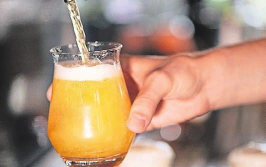 Bier ist eines der beliebtesten deutschen Exportgüter. Hergestellt wird es von Brauern und Mälzern, die jetzt eine modernisierte Ausbildung durchlaufen.
