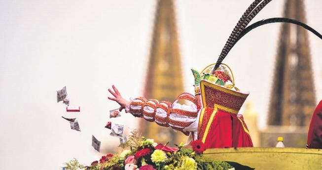 Höhepunkt im Zoch: Der Prinz kommt.Foto: Festkomitee Kölner Karneval