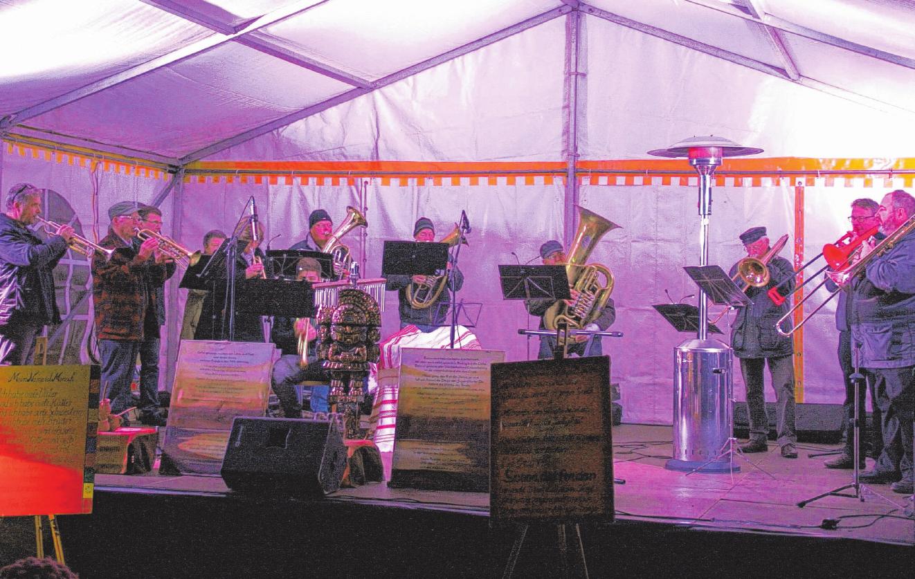 Auch der Posaunenchor wird wieder beim Lichterbaumfest auftreten.