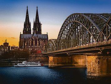 Kölner investieren eher Immobilienlastig, wie die Quirin Privatbank beobachtet hat BIld: Max Maximov - stock.adobe.com