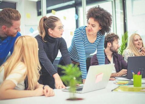 Immer mehr junge Menschen studieren im Bereich Medien.FOTO: LUKATDB / ISTOCK