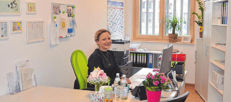Die Leiterin der Kindertagesstätte in ihrem Büro. FOTO: SON