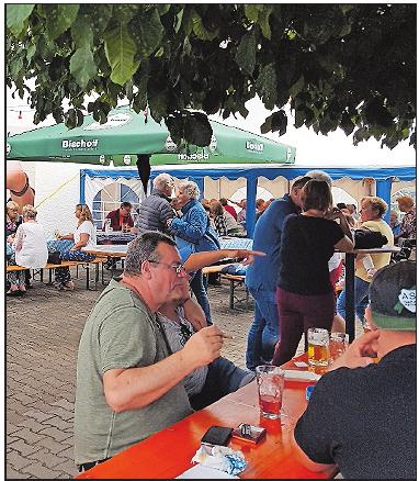 Angebot für jeden Geschmack: Auch Schorle gibt's beim Bierfest. FOTO: FREI