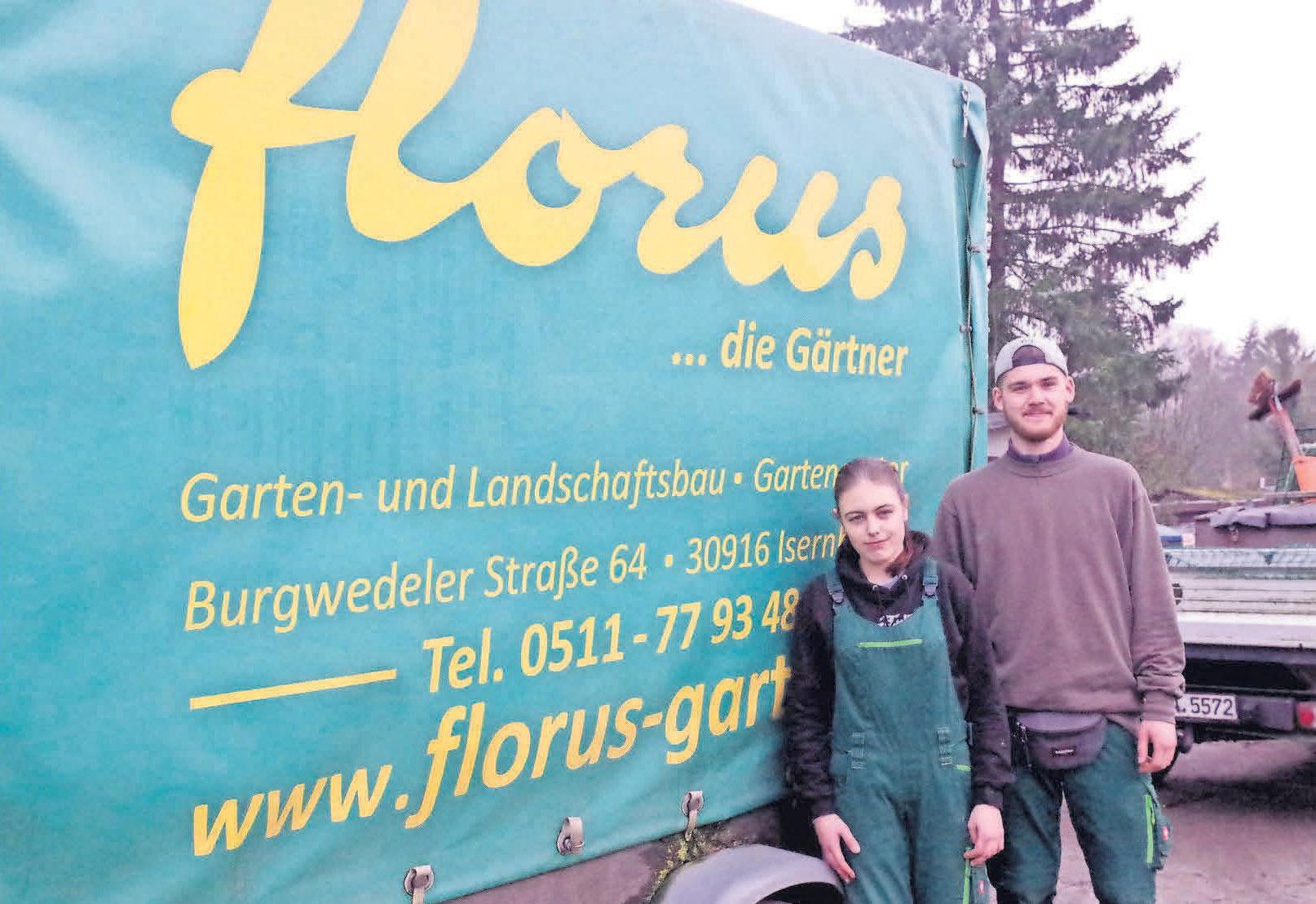 Michelle Stepien und Moritz Matthey durchlaufen zurzeit ihre Ausbildung beim florus Gartenbetrieb.
