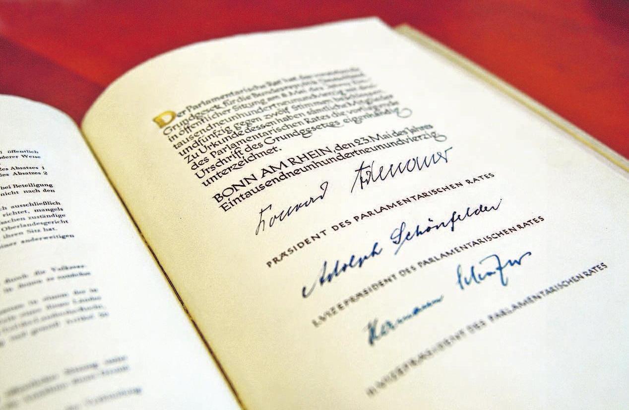 Das Original-Grundgesetz.Foto: Deutscher Bundestag/Sylvia Bohn