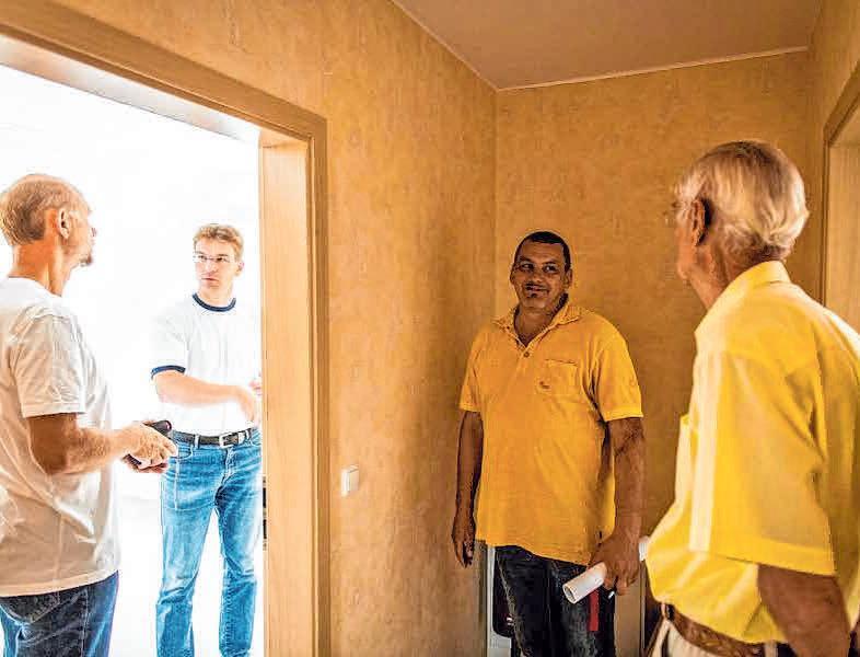 Wer modernisiert und barrierefreien Komfort einplanen möchte, kann mit der Beratung und Baubegleitung einen unabhängigen Fachmann beauftragen. FOTO